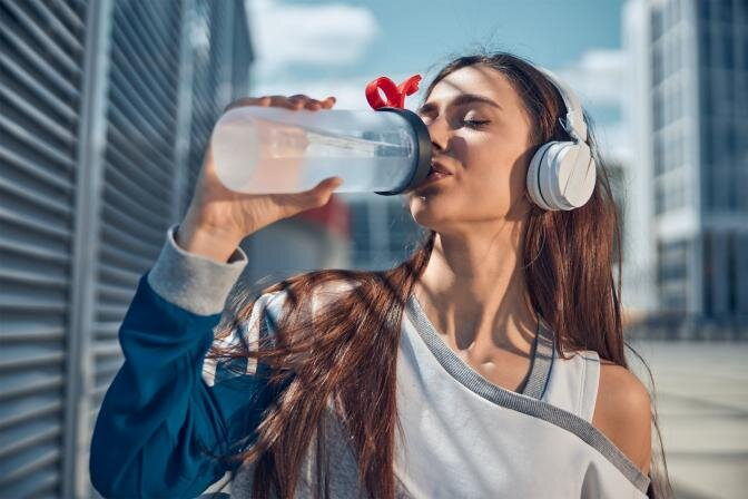 Сложности с потерей веса, мешки под глазами и плохое самочувствие – возможно, виновата задержка воды в организме!